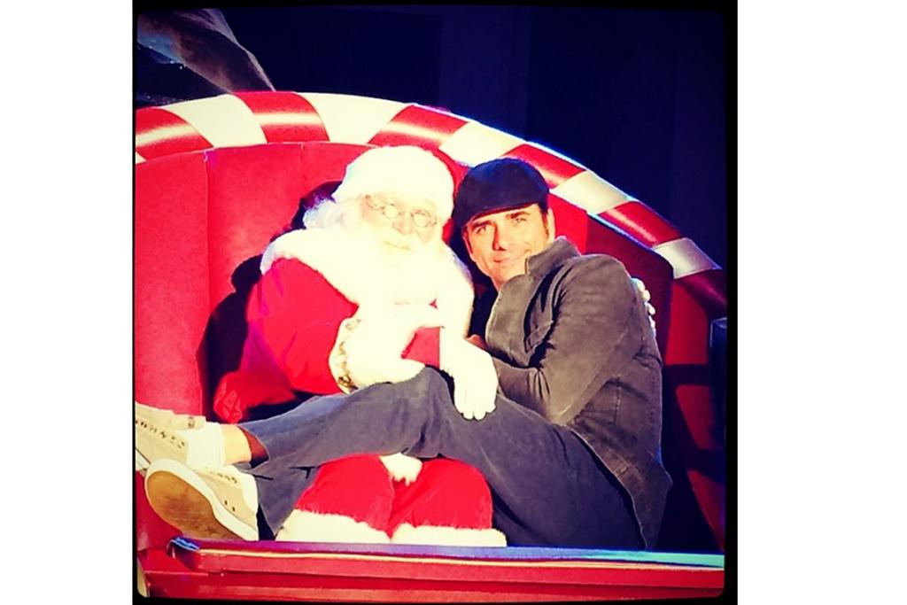 JOHN STAMOS: Oh wait, this snuggle-snap may just help me avoid a meltdown. The world is okay again. I heart Uncle Jesse + I heart Santa = '80s child nostalgia explosion (somebody get me my LA Gears and my spandex neons, I feel a Full House binge watch coming on!).