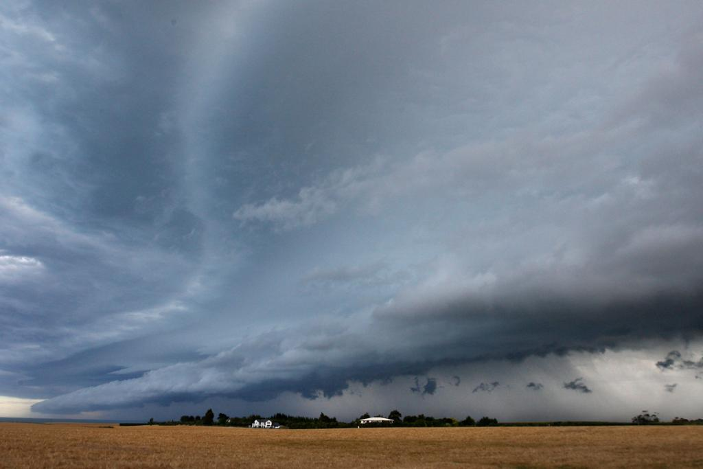 BIG FRONT: Storm clouds build in a southern South Canterbury sky late afternoon.