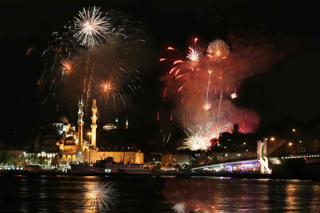 ISTANBUL: Choose to celebrate in Taksim Square, the hub of the entertainment district, or head for the Bosphorus Bridge which has the best vantage point for the fireworks.
