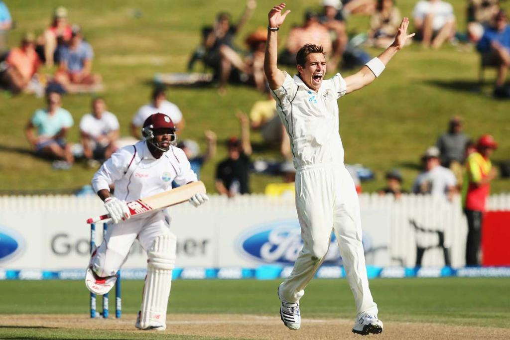 Tim Southee appeals successfully for the LBW decision against Tino Best.