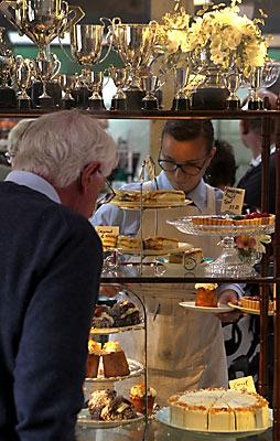 The Tannery - admiring the cakes