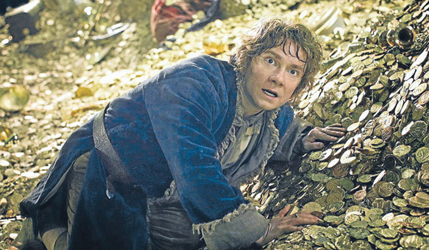 Bilbo Baggins (Martin Freeman) comes face to face with the hypnotic, beautiful goldhoarding dragon, Smaug.