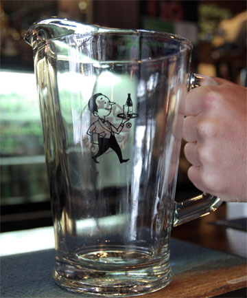 Beer jug, arm-wrestle assault, Still Working Bar