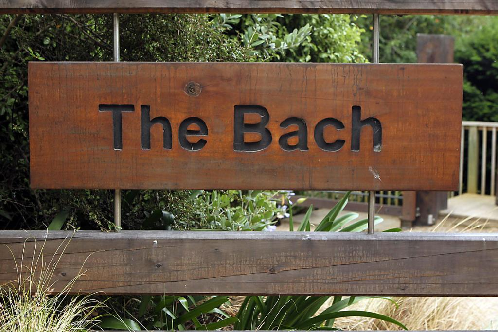 The Bach sign
