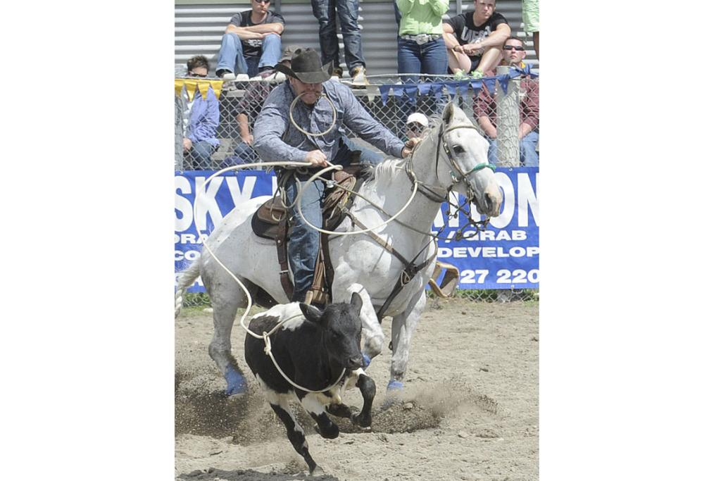 Anthony Perkins go Gore in the Rope and Tie at the 46th annual Te Anau Rodeo.