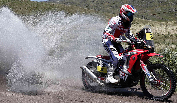 Spain's Joan Barreda Bort rides his Honda motorcycle to victory in the first stage of the 2014 Dakar Rally 2014.
