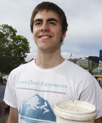 FOR A GOOD CAUSE: Zascha Mann collects donations at the Nelson Market for his planned three-month walk of the Te Araroa Trail.