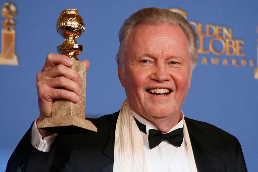 Angelina Jolie's dad, Jon Voight, poses with his award for Best Supporting Actor in a Series, Mini-Series or TV Movie for his role in Ray Donovan.
