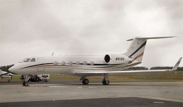 Michael Bloomberg, Hamilton, private jet