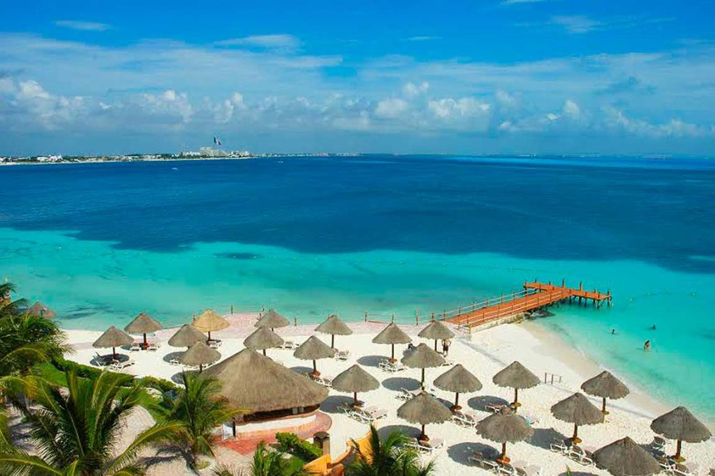 Jet off to chilling Cancun where you'll come face to face with Mexican Brujas, take a private sailing trip to a haunted tropical island, and enjoy an exclusive tour of one of the seven wonders of the paranormal world.