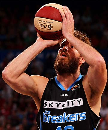 BACK TO BREAKERS: Casey Frank in action against the Perth Wildcats.