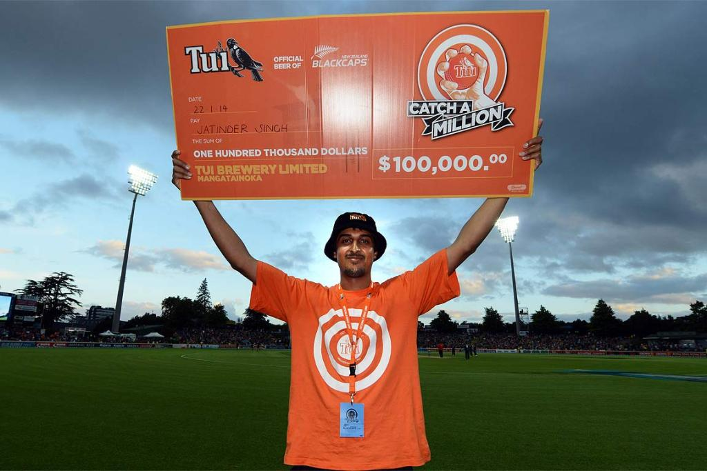 Jatinda Singh with the $100k cheque from DB Breweries for his one-handed catch.