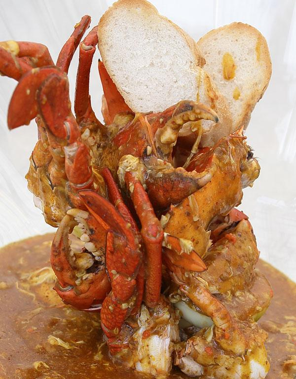 The Singapore iconic street flavor of the Chilli Crab.