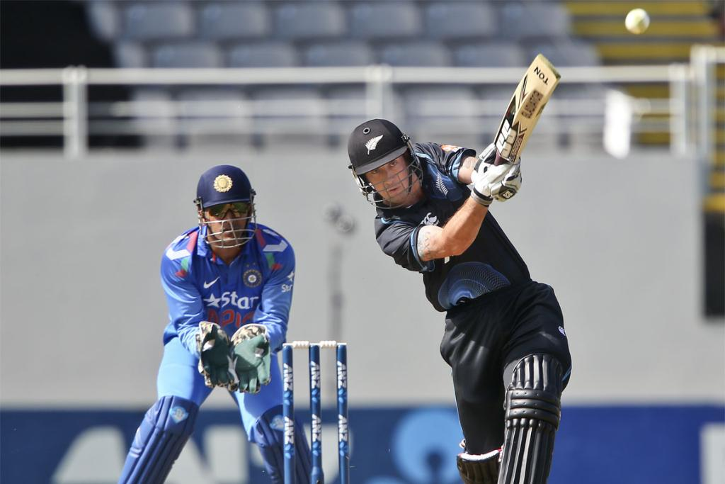 Luke Ronchi lofts the ball down the ground in the third ODI at Eden Park.