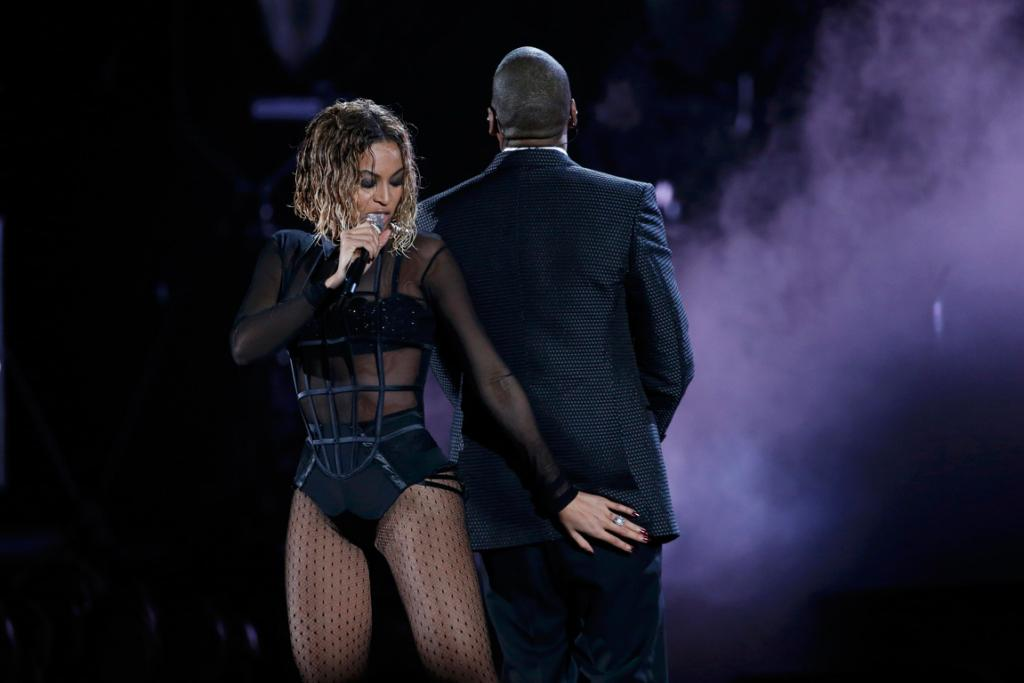 Beyonce and Jay-Z open the 2014 Grammys.