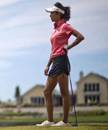 lining it up rookie kiwi professional tania tare surveys the 18th hole at clearwater yesterday