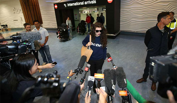 Lorde at the airport