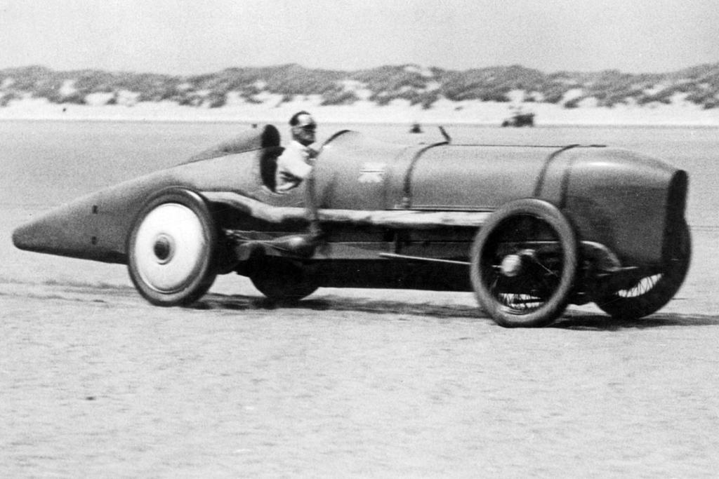 Malcolm Campbell at speed in the Sunbeam 350hp Pendine Sands.