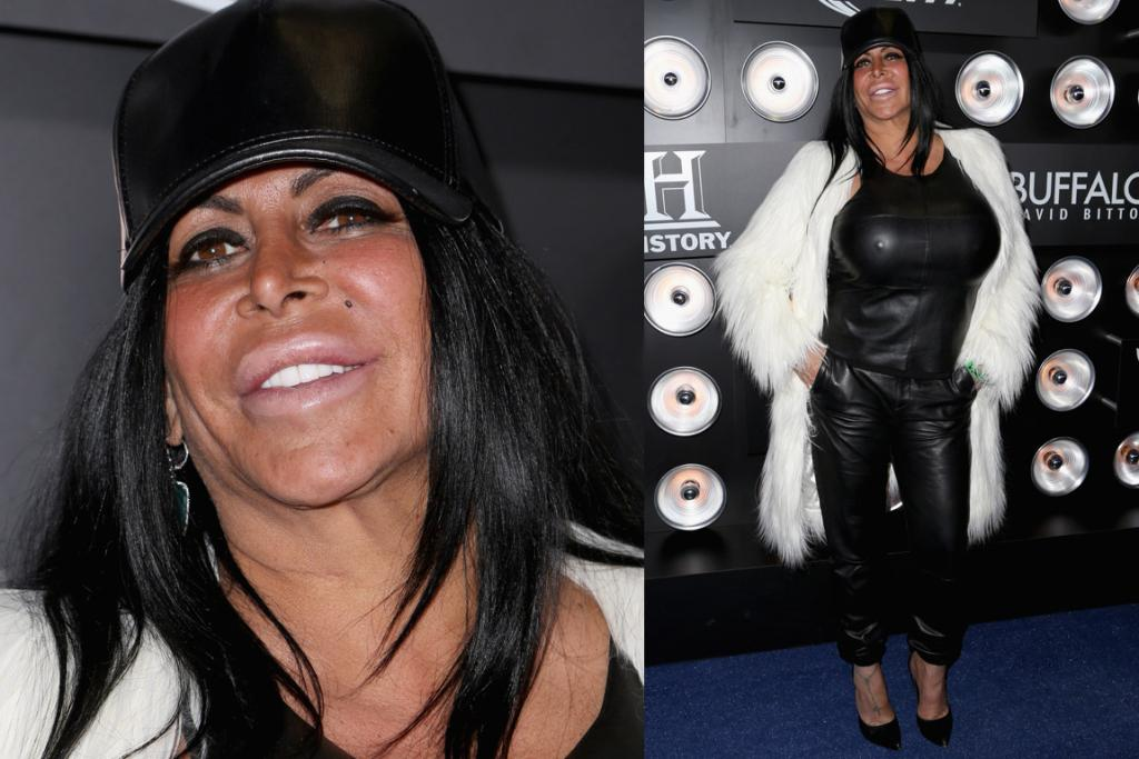 THE BAD: I think Big Ang needs to go on a weekend seminar called 'How to dress for your shape'. I can't think of much else to say because I'm totally mesmerised by that one shiny nipple (and how much it looks like the lamps in the background).