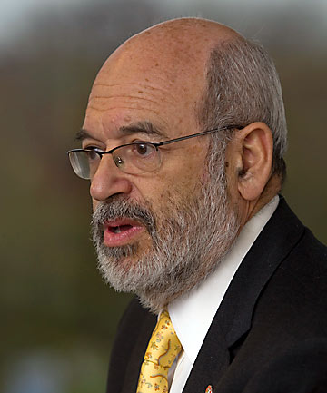 QUAKE STRESS AID: Professor Sir Peter Gluckman identified the need for a psychological recovery plan.