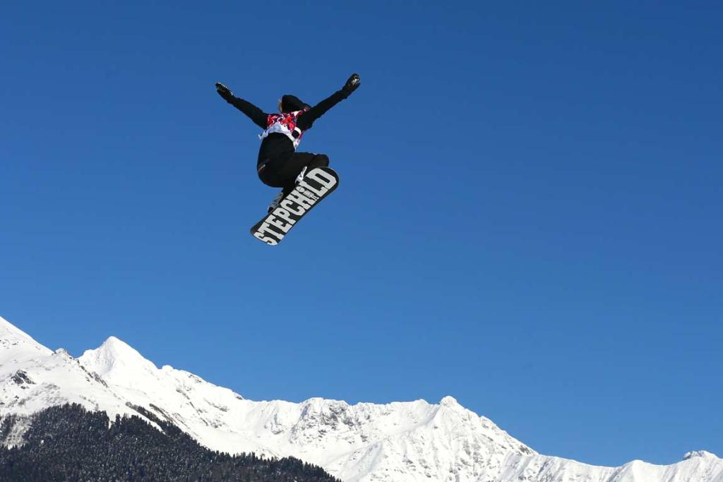 Rebecca Torr competes in the women's snowboard slopestyle qualification round.