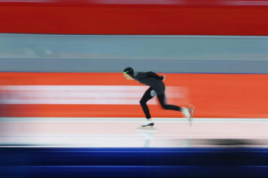 Shane Dobbin competes in the men's 5000m speed skating competition.