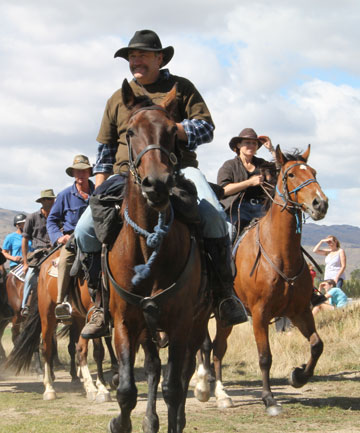 Cavalcaders in 2012 finished up at Cromwell. This year the Otago Goldfields Heritage Trust's cavalcade will finish in Ranfurly, Central Otago.