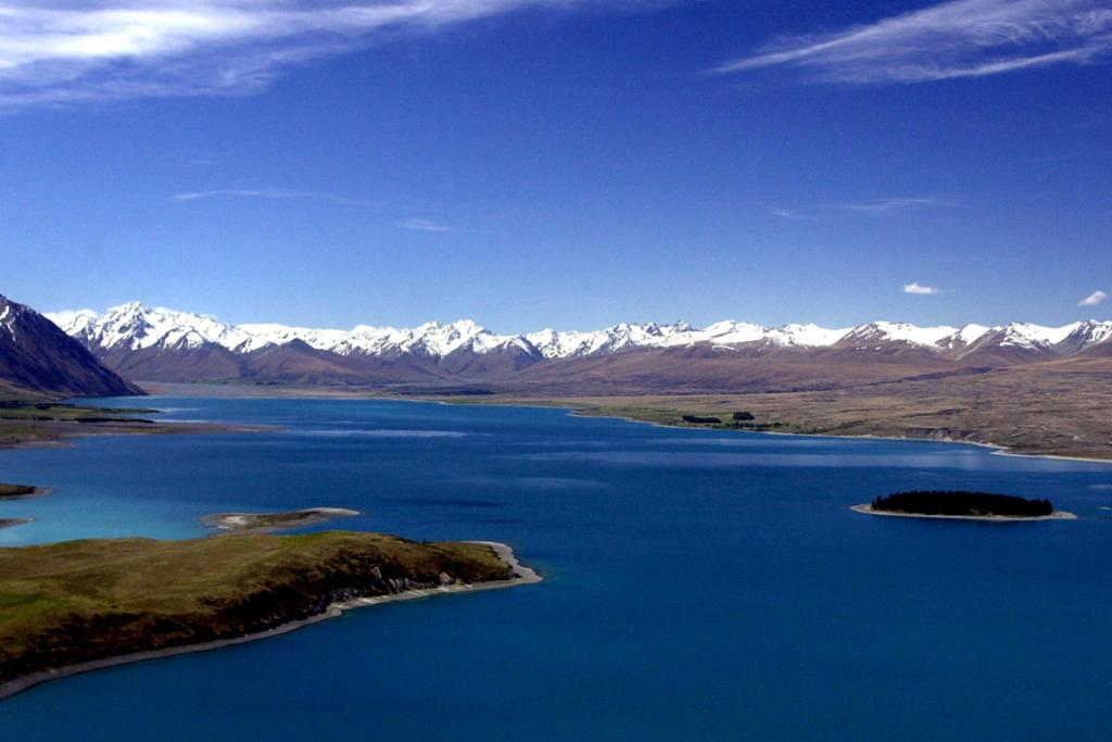 The Southern Alps form the backbone of the South Island.