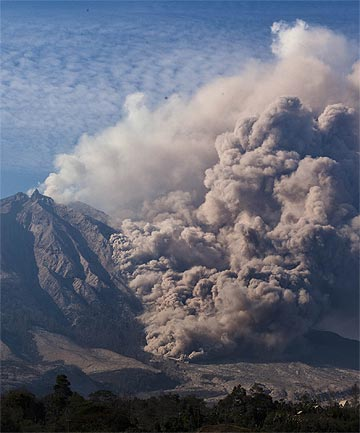ERUPTION: Mount Sinabung spews pyroclastic smoke.