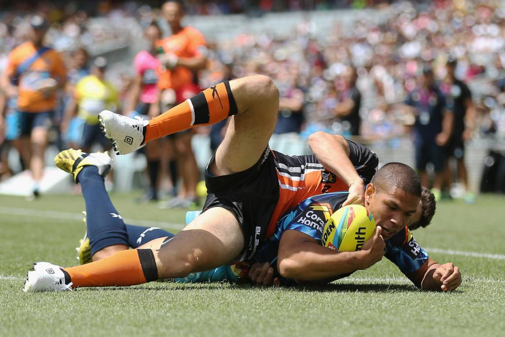 On-field action Auckland Nines Day One