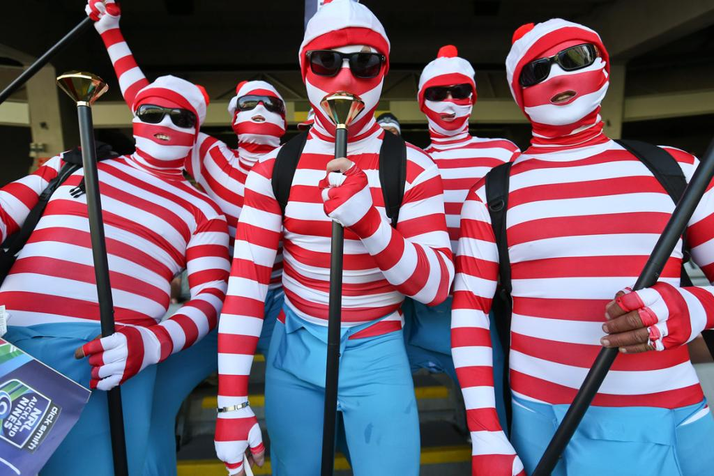 Fans arrive at Auckland Nines