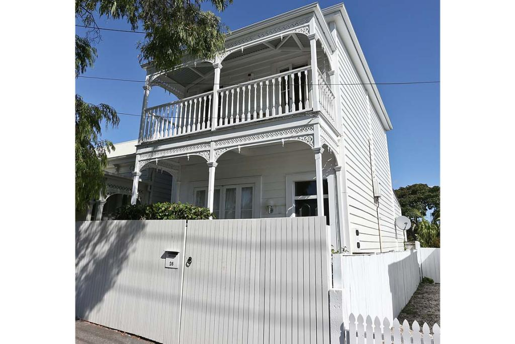 One of the Grey Lynn houses owned by Mary Castles, the wife of bankrupt and struck-off lawyer Eion Castles.