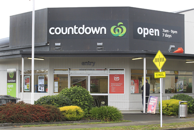 Countdown supermarket in Redwoodtown
