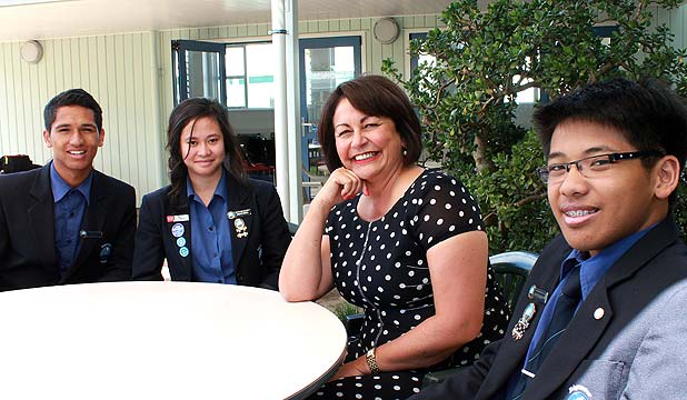 Hekia Parata meets students