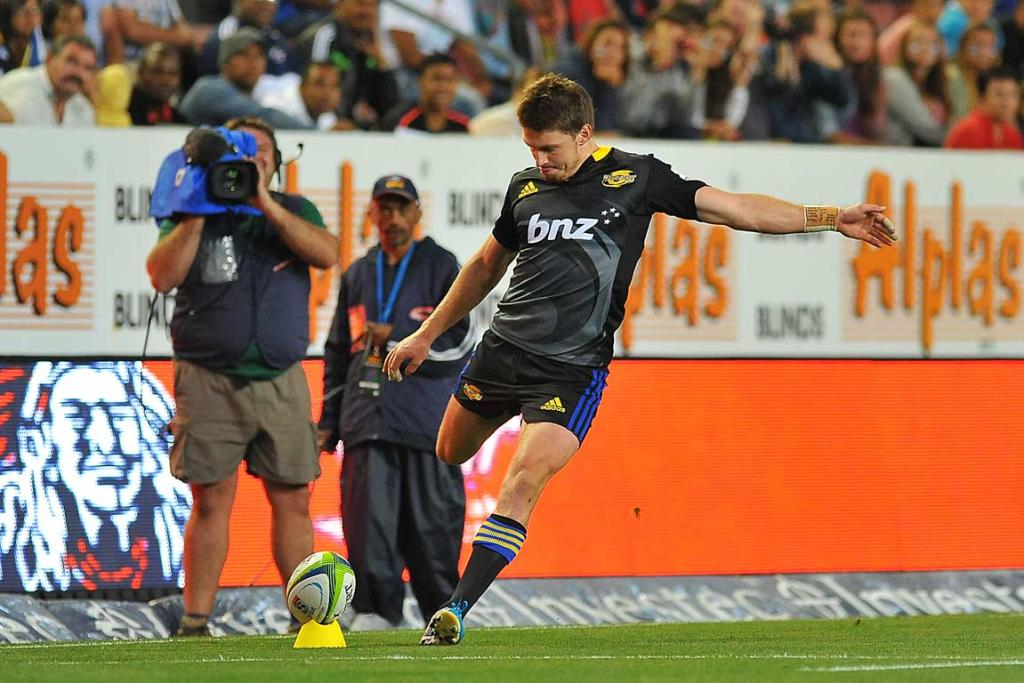 Beauden Barrett converts Cory Jane's try from the sideline.