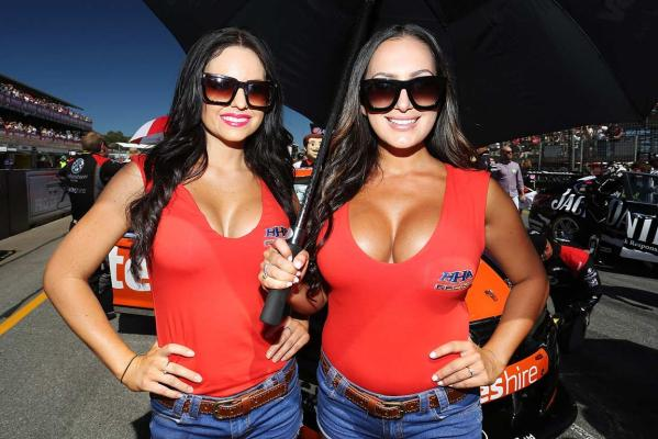 V8 Supercars pit girls