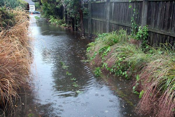 Stanmore Rd flooded driveway