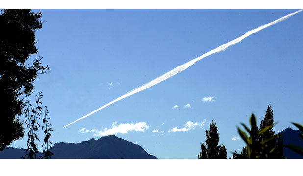 The vapour trail over Te Anau.