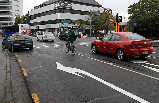 Cyclist on Oxford Tce