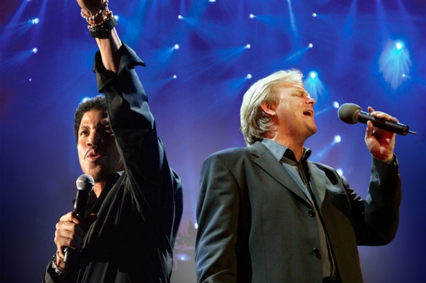 Lionel Ritchie and John Farnham will perform 3 New Zealand shows