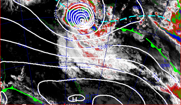 Cyclone Lusi has intensified into a Category 3 cyclone and is beginning to move southwards toward northern New Zealand.