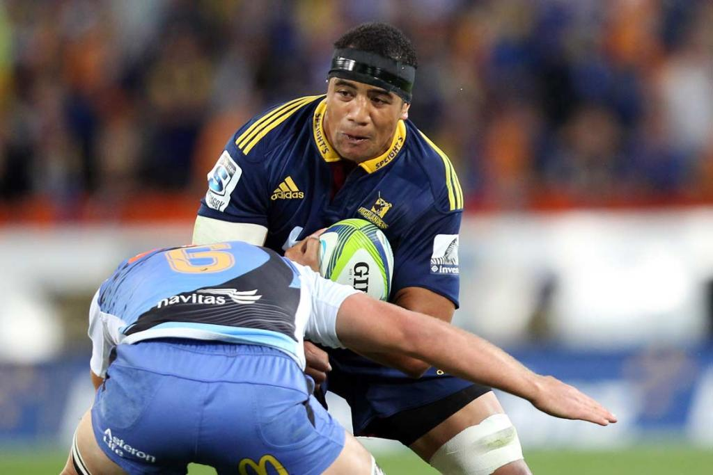 Nasi Manu charges into a Western Force defender.