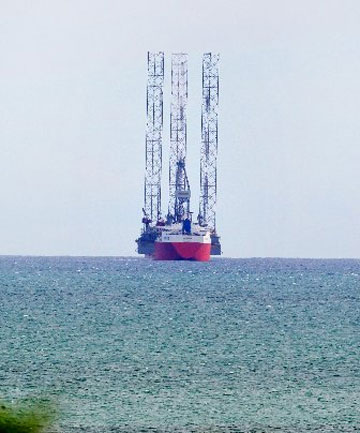 The Talisman carrying a jack-up drilling rig has come to Taranaki.