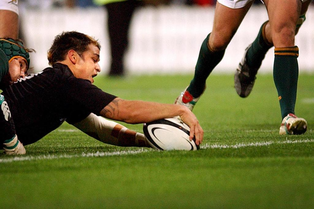 Piri Weepu scores a try in 2006, as an All Blacks Halfback in a Tri Nations test against South Africa.
