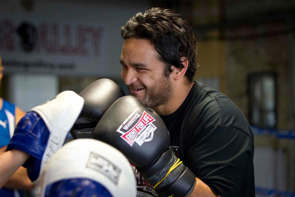 Piri Weepu trains for the 2013 Fight for Life.