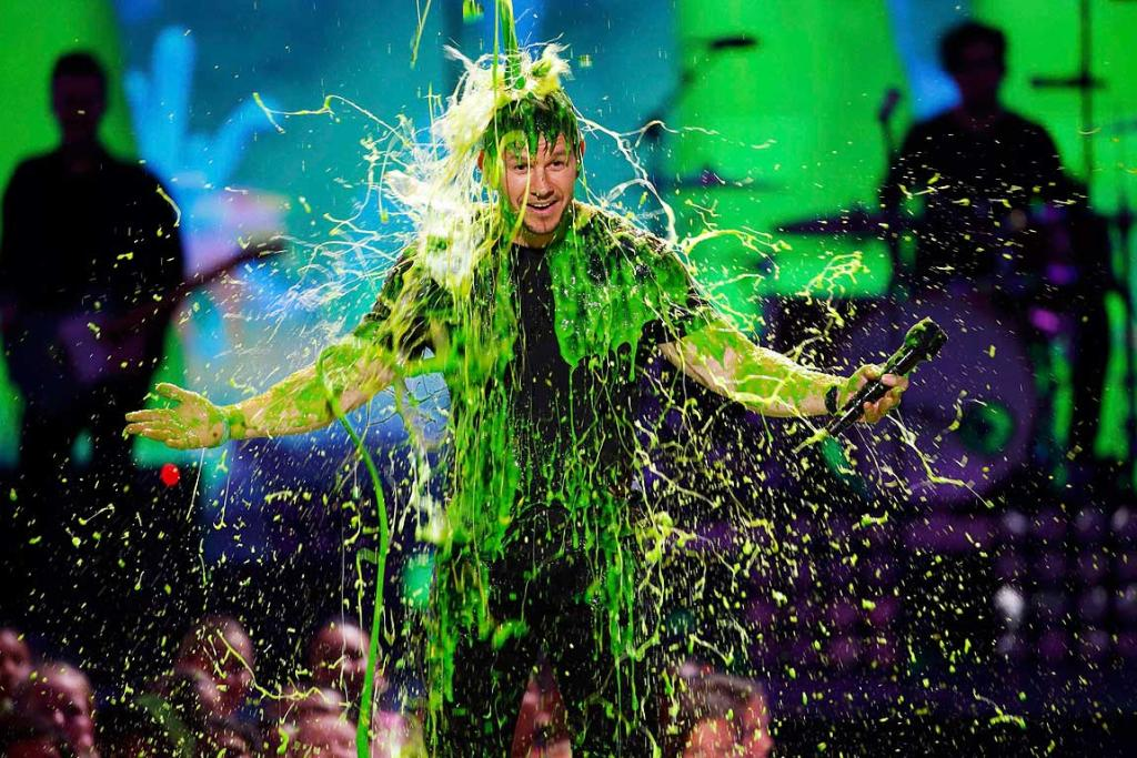 """The """"un-slimable"""" host Mark Wahlberg gets slimed."""