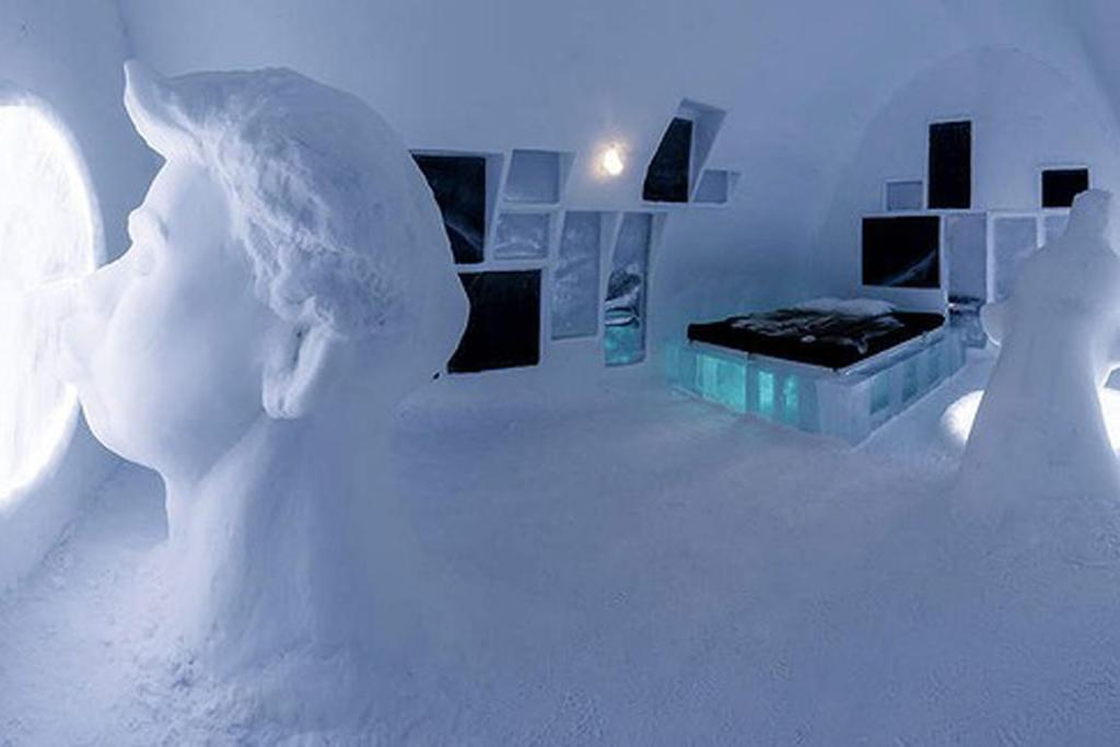 Design your own ice hotel room for Design your own hotel