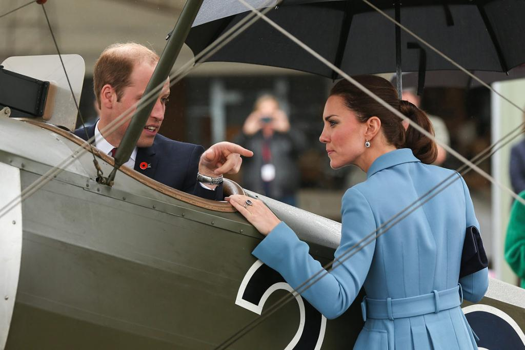 William and Kate inspect a World War I plane at the Omaka Aviation Heritage Centre with Sir Peter Jackson.