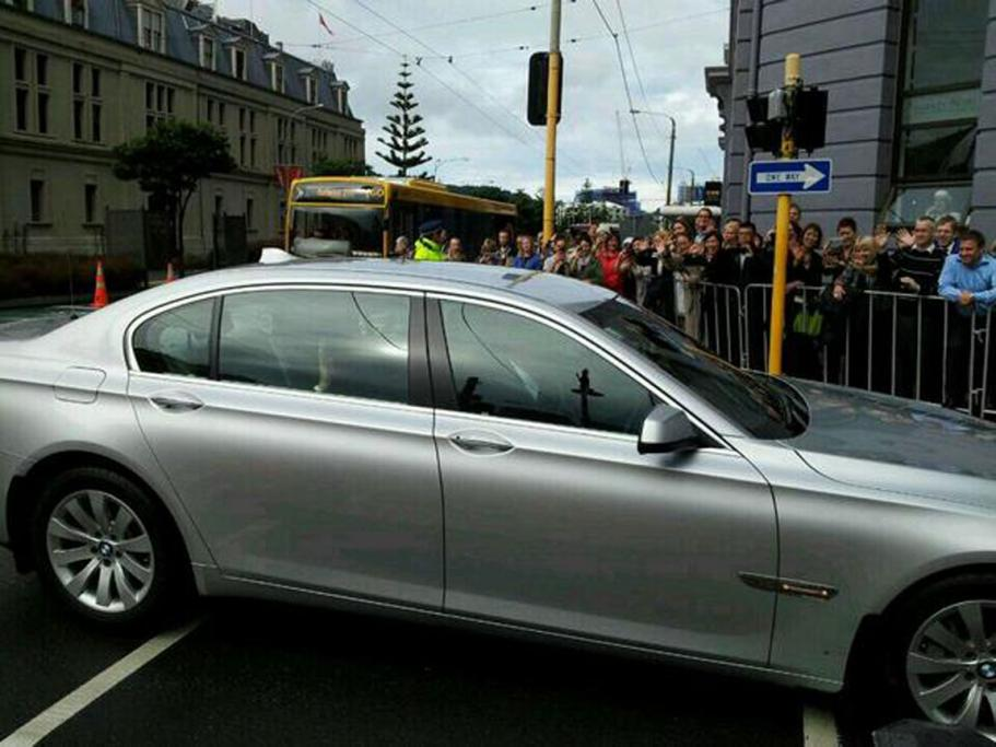 A royal wave from Prince William as he and Kate arrived in central Wellington.