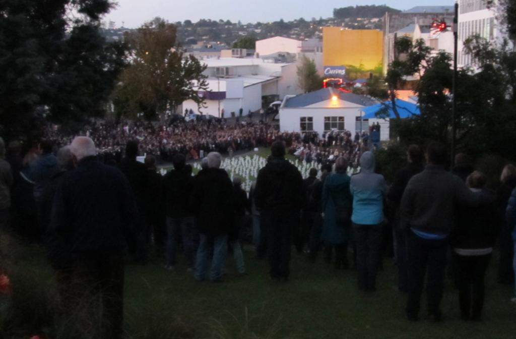 Whangarei honoured its more than 600 war dead this morning at the Laurie Hall Park Field of Remembrance. A crowd of about 5000 attended